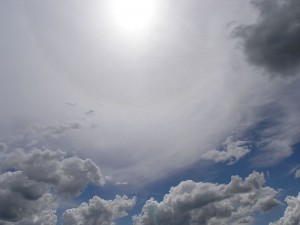 800px-Sun_and_Clouds_001